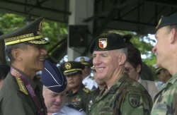 Philippines Lt. Gen. Roy Cimatu, then Commanding General of Southern Command, meets with (L to R) Brig. Gen. Donny Wurster, USAF, Commander of JTF 510; Col. Bill Ball, USA, Deputy Commander of JTF 510; and Col. David Fridovich, USA, Commander of the 1st Special Forces Group (A).