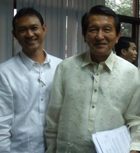 Jun Aguilar w/ Rep. Roilo Golez in one of the Congressional Consultative Meeting re: OFW Conerns